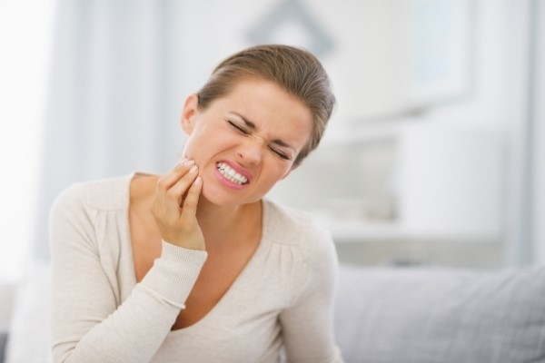 General Dentist Office Tips:  Steps To Treat A Toothache